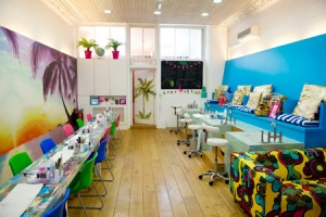 Tropical-Popical-Nail-Bar